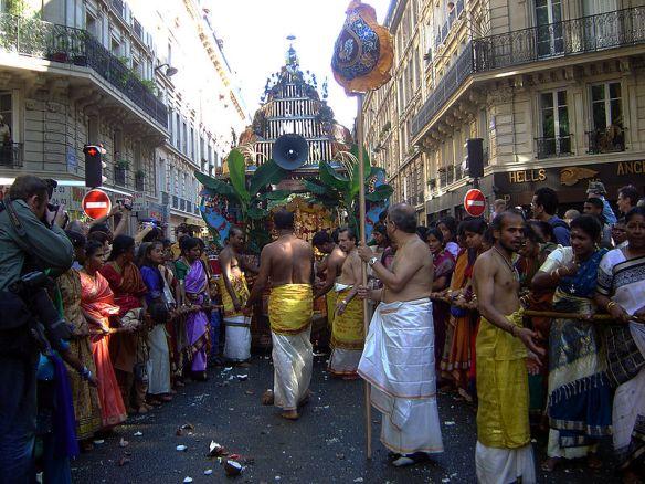 800px-Ganesh_Paris_2004_DSC08471
