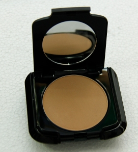02. Cream Foundation