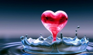 valentines-heart-in-water-free-hd-wallpaper-t2